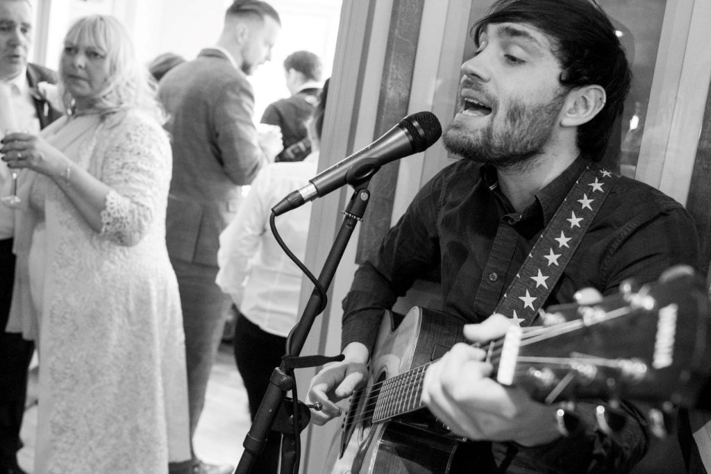 singing guitarist york club reception windsor great park berkshire oxfordshire wedding photography