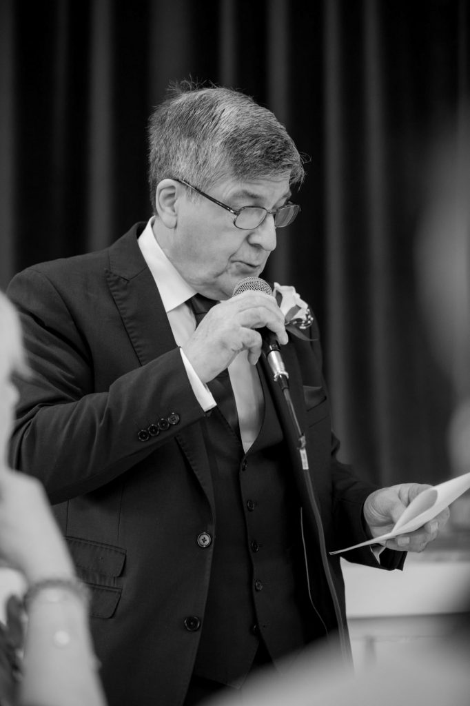 father of bride delivers speech york club wedding breakfast windsor great park berkshire oxford wedding photographer