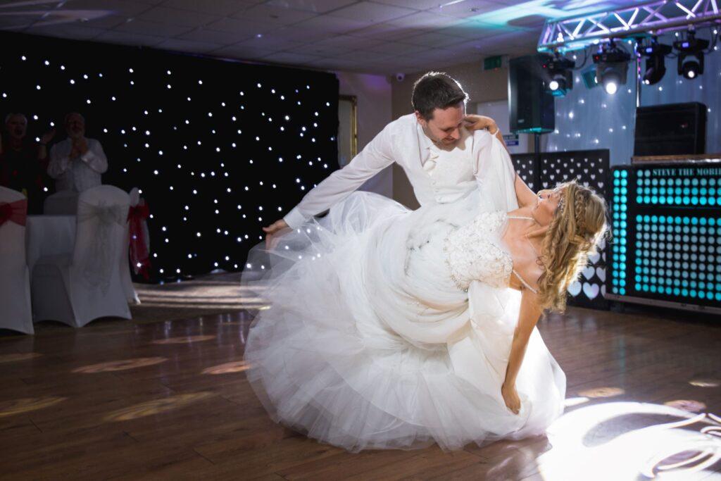 bride groom first dance wroxeter hotel shrewsbury shropshire oxford wedding photographer