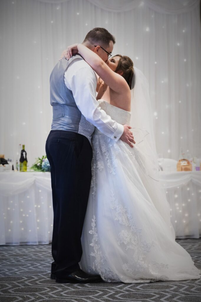 bride groom first dance kiss milton hill house hotel steventon oxfordshire wedding photographer