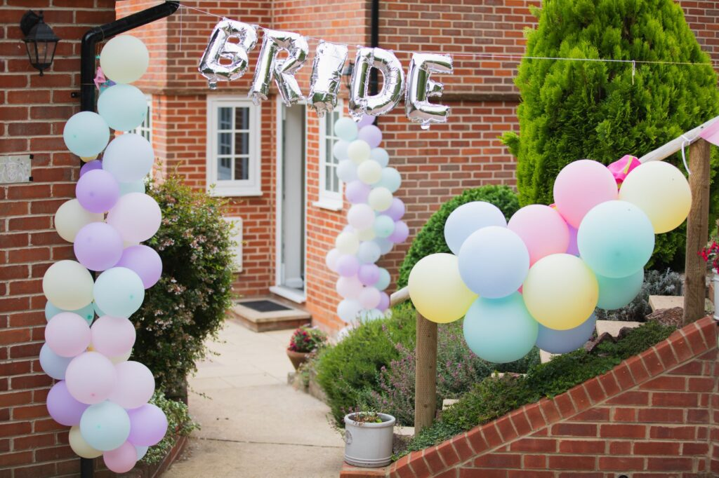 bridal prep balloons streatley oxfordshire wedding photography