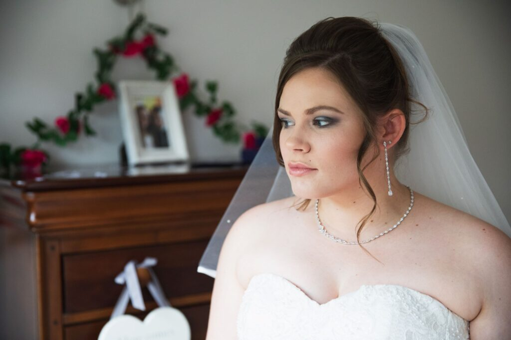 brides dress veil bridal prep streatley oxfordshire wedding photographer
