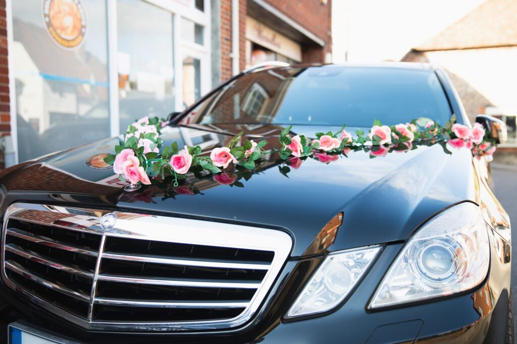 bridal car floral decorations marvellous hair company goring reading bridal preparation oxford wedding photographers