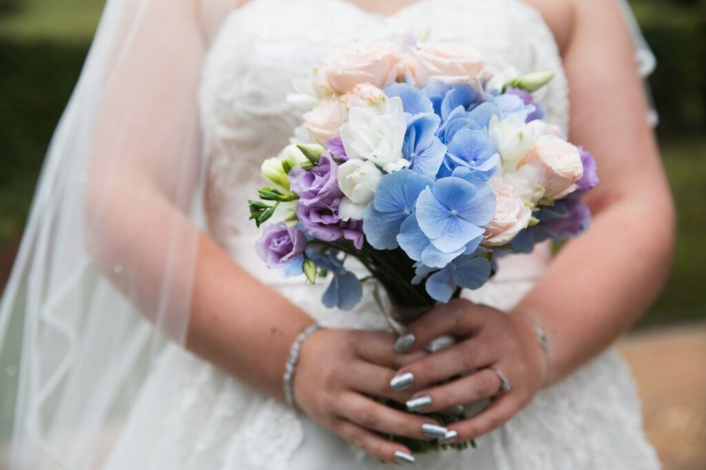brides white blue bouquet bridal prep streatley oxfordshire wedding photographer