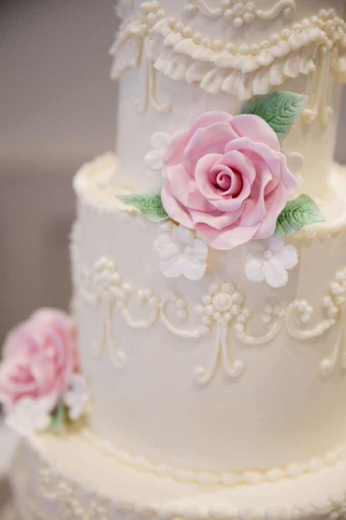 rose cake decoration milton hill house steventon oxfordshire wedding photographers