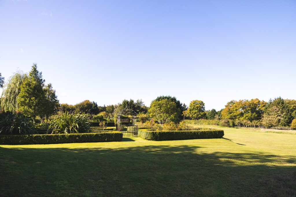 formal gardens cain manor hampshire surrey borders oxford wedding photographers