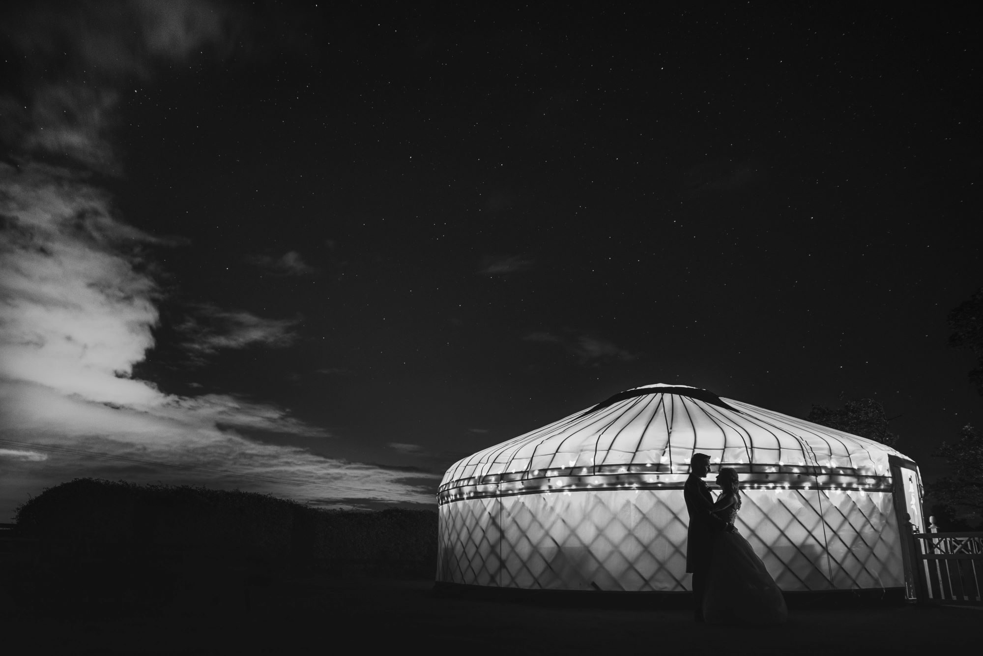 108 bride grooms yurt silhoutte embrace wroxeter hotel gardens shrewsbury shropshire oxfordshire wedding photography