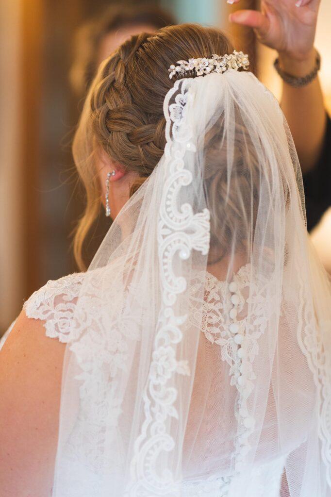brides veil bridal prep cain manor venue surrey oxford wedding photographers
