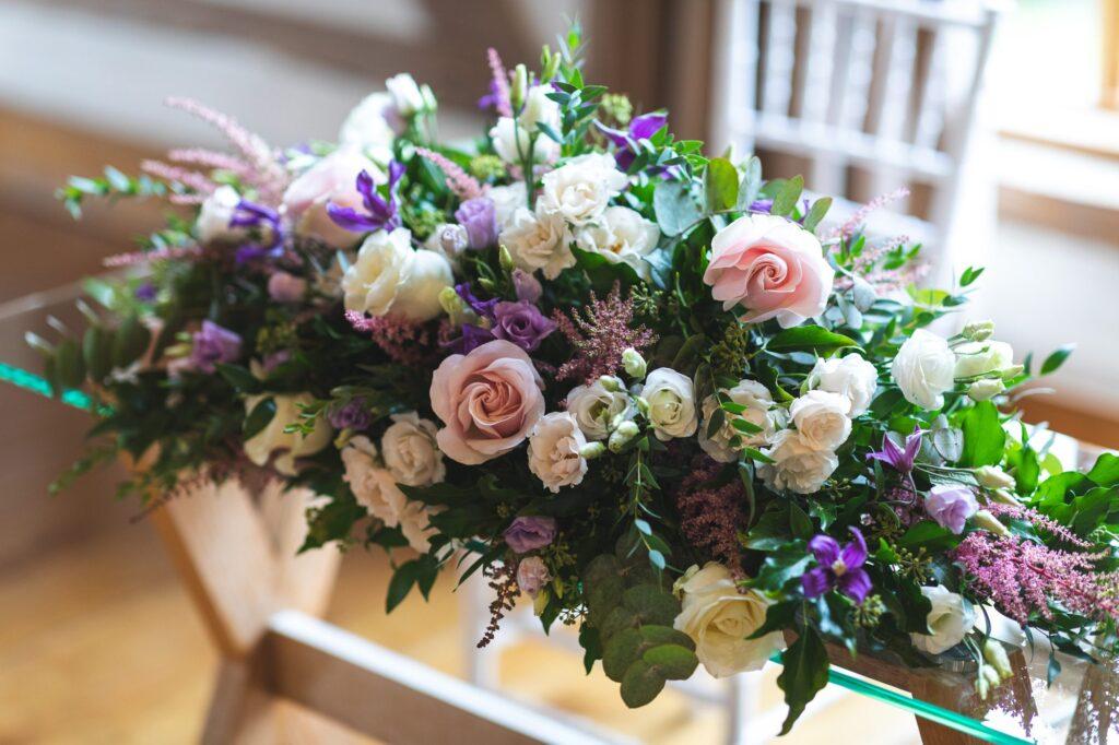 floral arrangement ceremony hall cain manor venue surrey oxfordshire wedding photographers