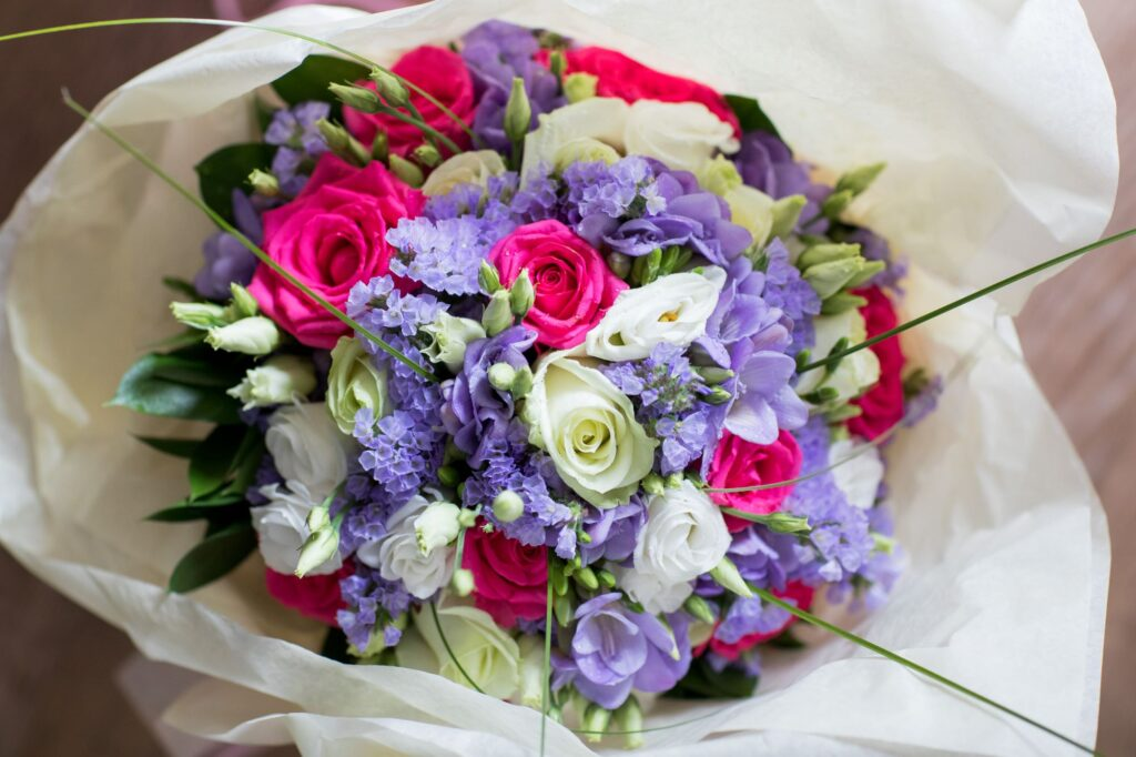 brides bouquet de vere beaumont hotel windsor oxford wedding photographer
