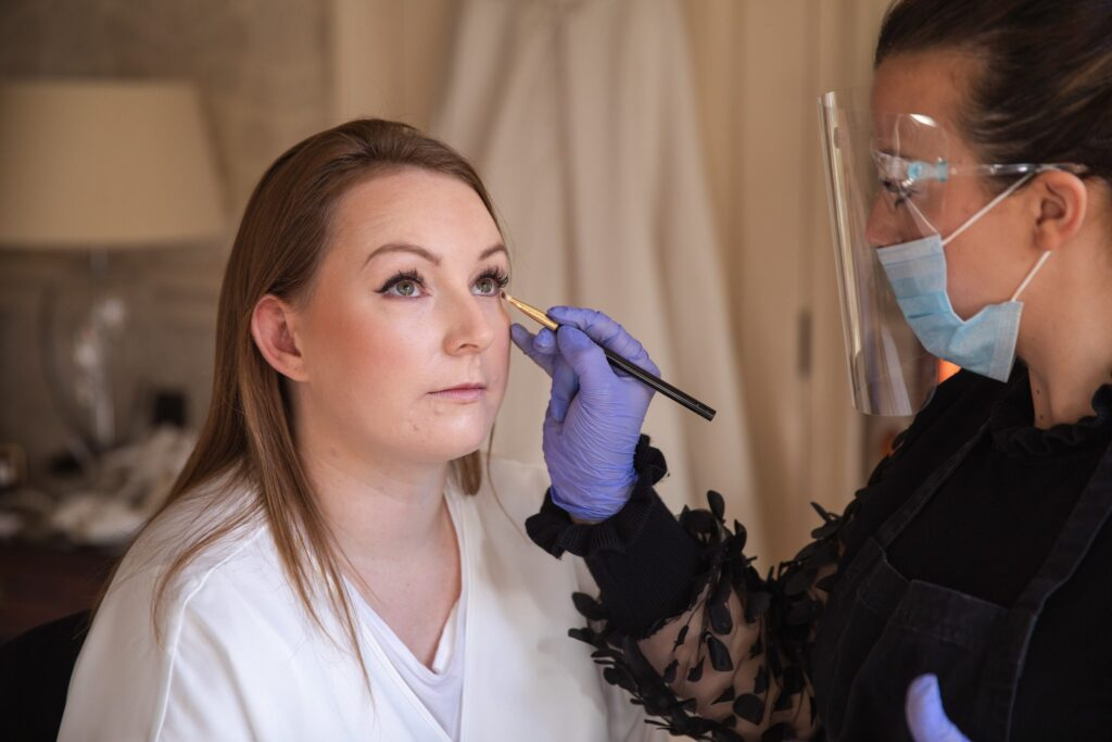 brides eye makeup bridal prep hanbury manor ware hertfordshire oxfordshire wedding photographers