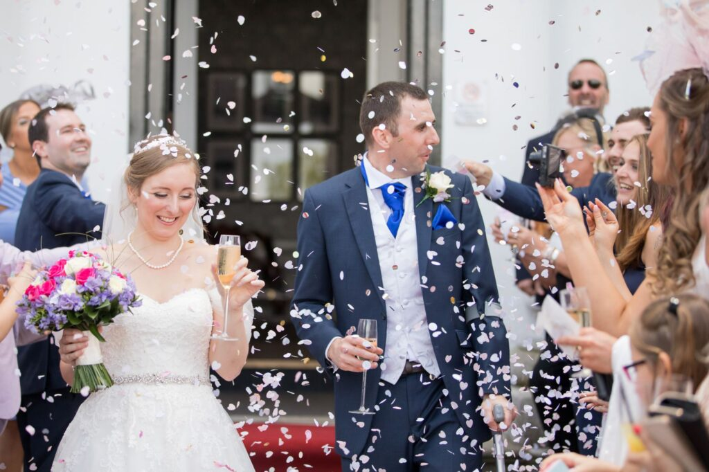 bride grooms confetti parade de vere beaumont hotel windsor oxford wedding photographers