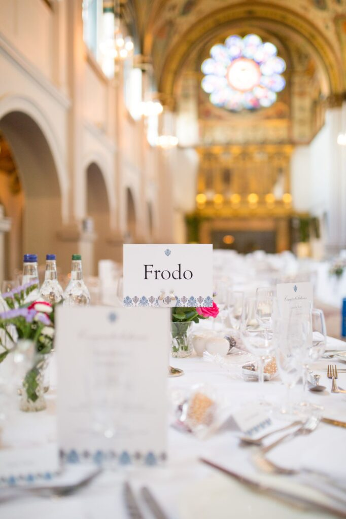 wedding breakfast table arrangement de vere beaumont hotel windsor oxfordshire wedding photographer