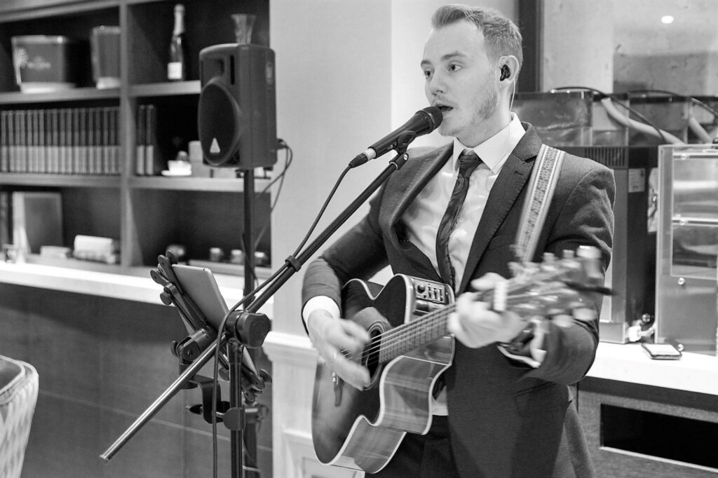 solo guitarist wedding breakfast hanbury manor ware hertfordshire oxford wedding photographers