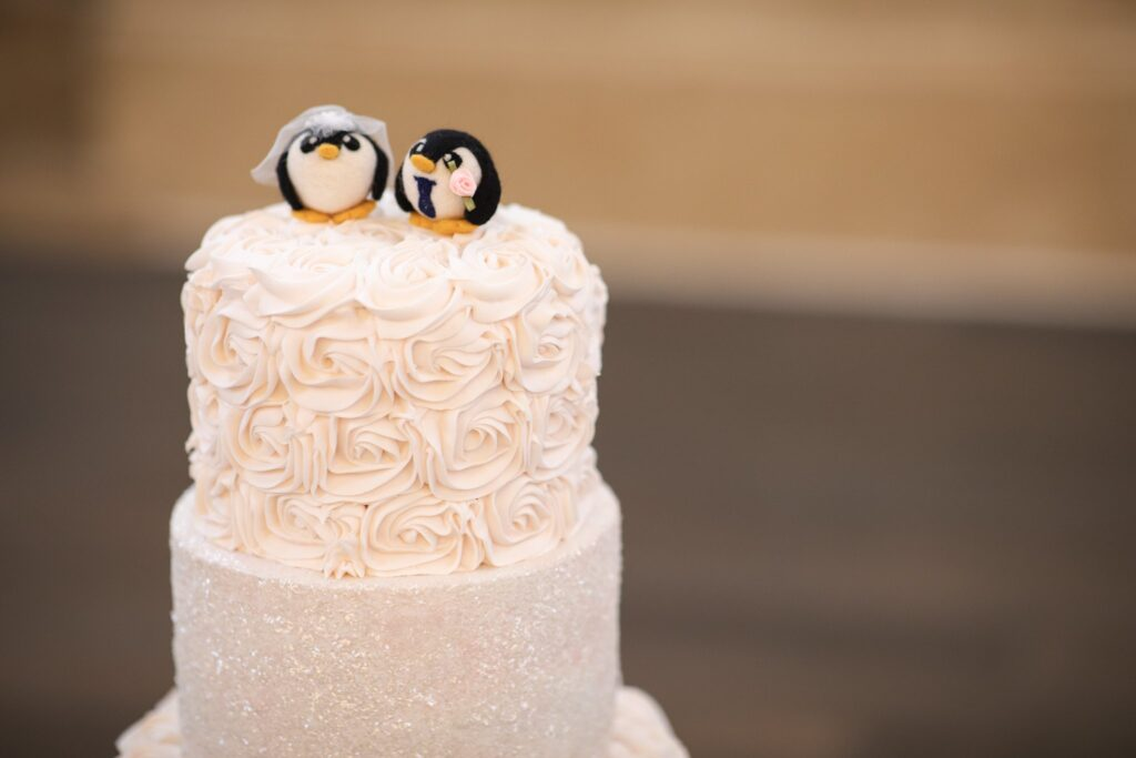 wedding cake iced ornaments hanbury manor ware hertfordshire oxford wedding photographers