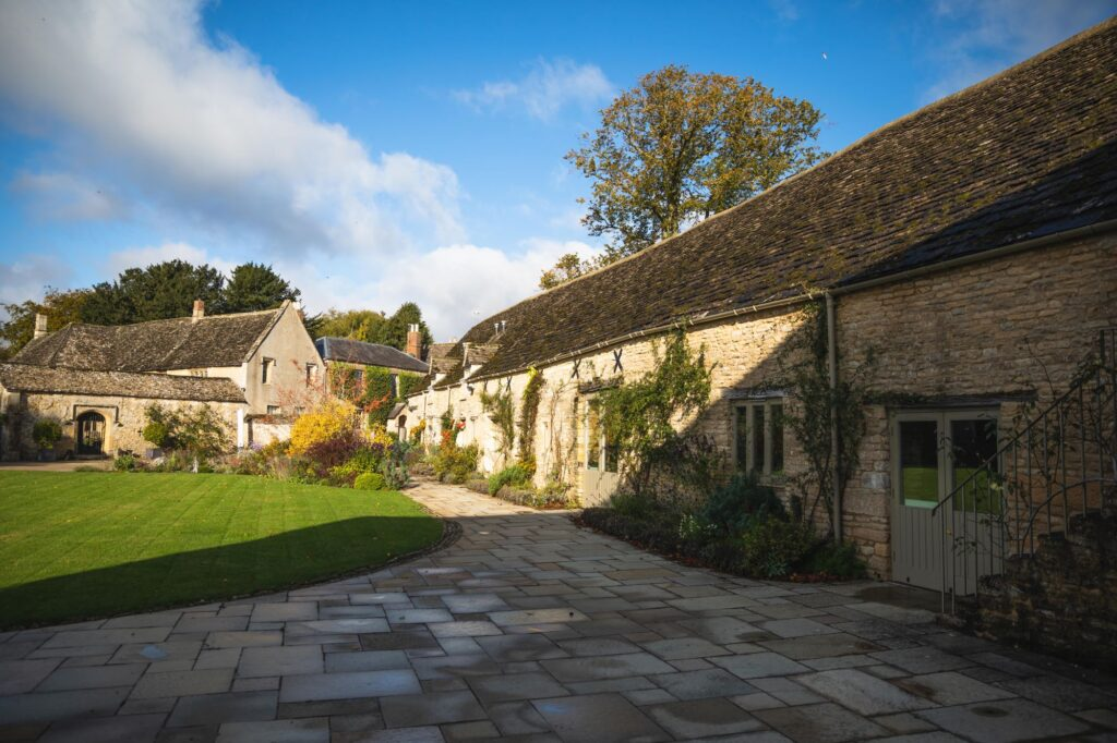 caswell house venue gardens oxfordshire wedding photographers