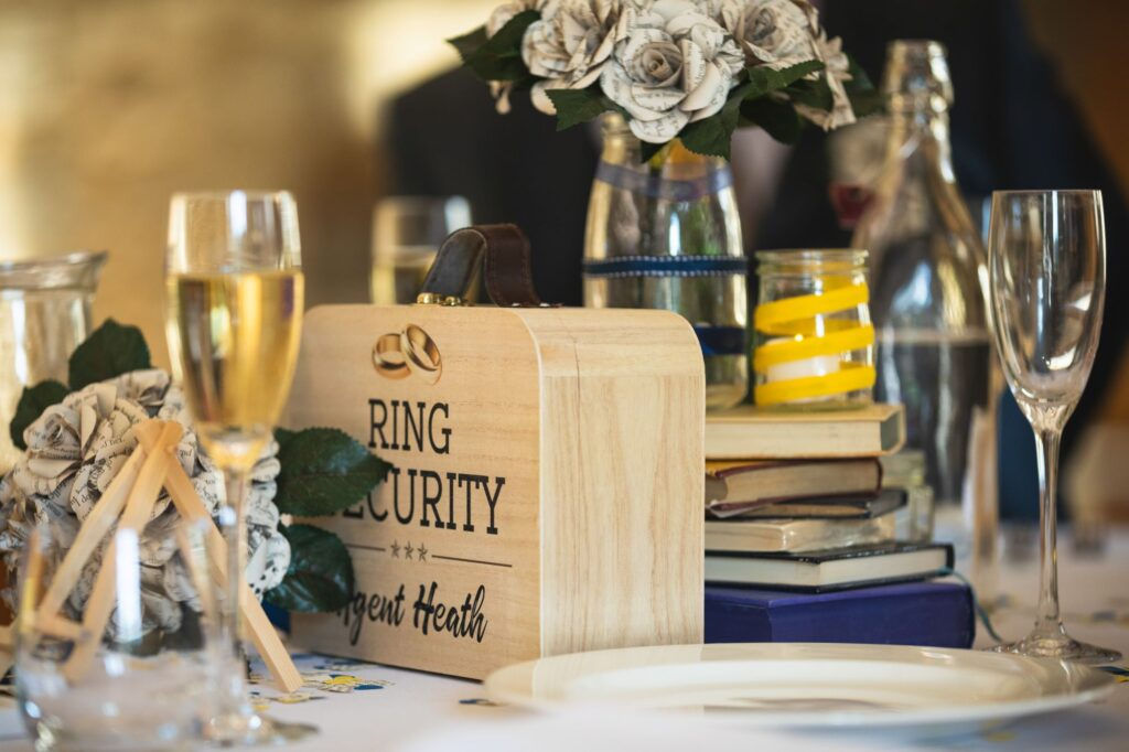 wedding breakfast table decoration caswell house venue oxford wedding photography