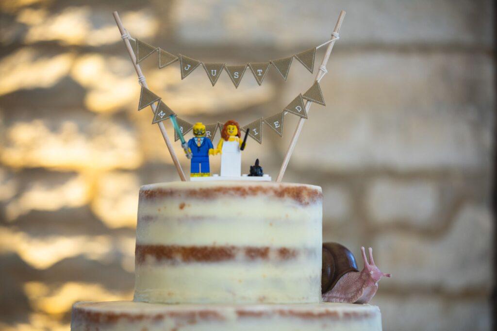 wedding cake decoration caswell house oxford wedding photographer