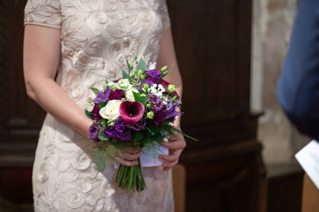 brides bouquet st nicholas church micro wedding ceremony old marston village oxford wedding photographer