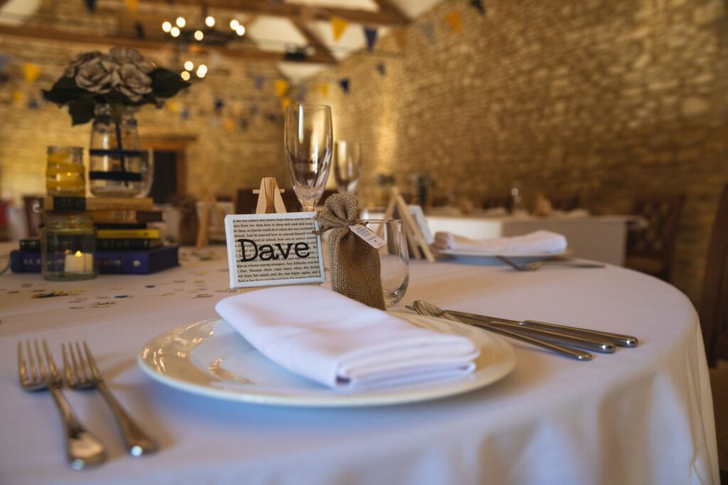 micro wedding breakfast table decorations caswell house venue oxford wedding photographers
