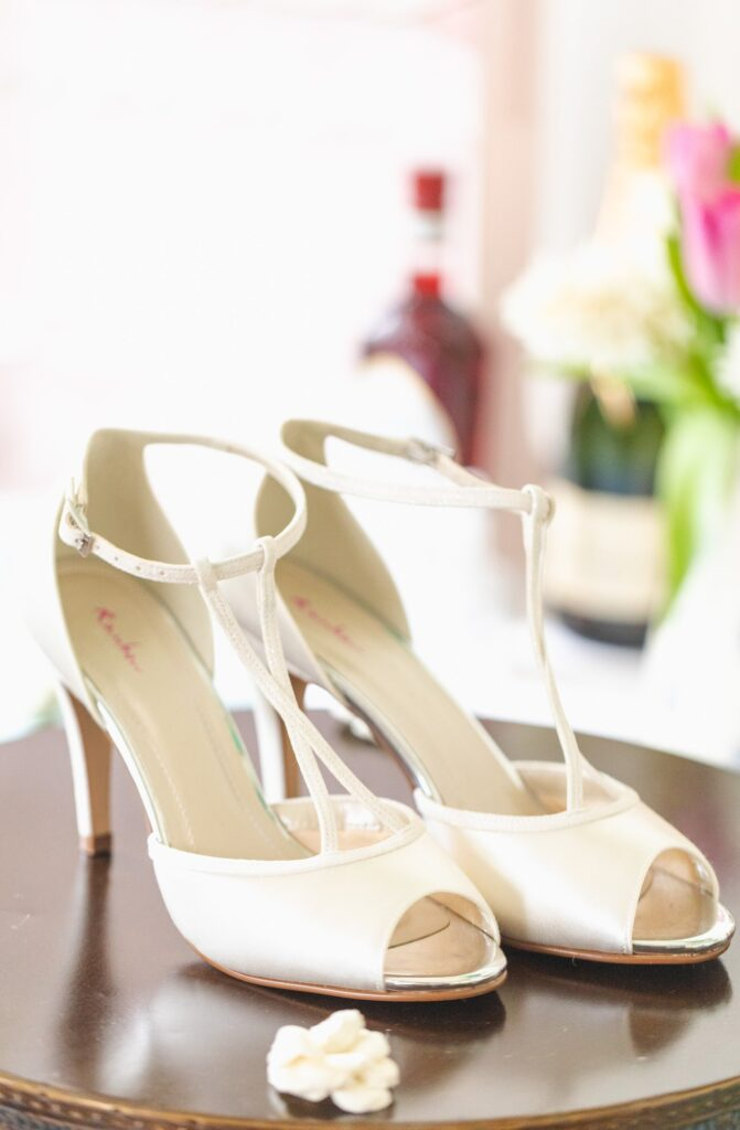 brides shoes bridal preparation rishworth sowerby bridge marriage oxfordshire wedding photographer