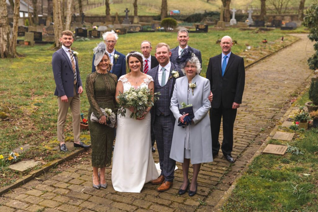 bridal party traditional portrait st johns churchyard rishworth oxfordshire wedding photography