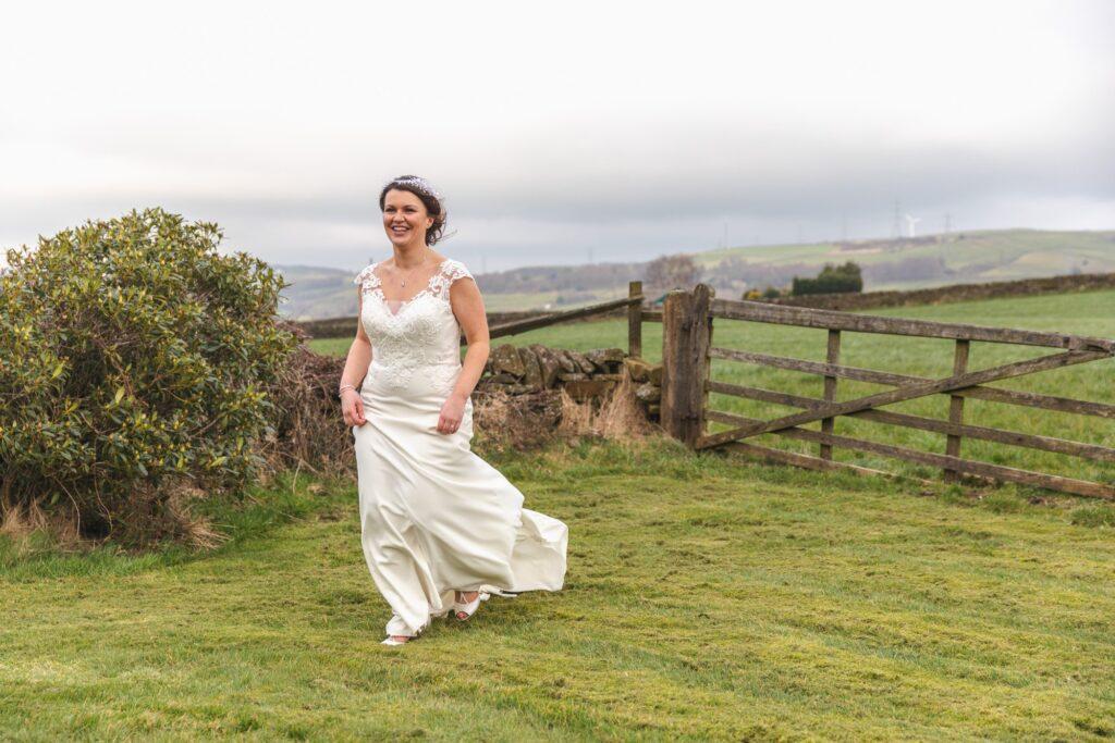 running bride rishworth countryside west yorkshire wedding oxfordshire wedding photography