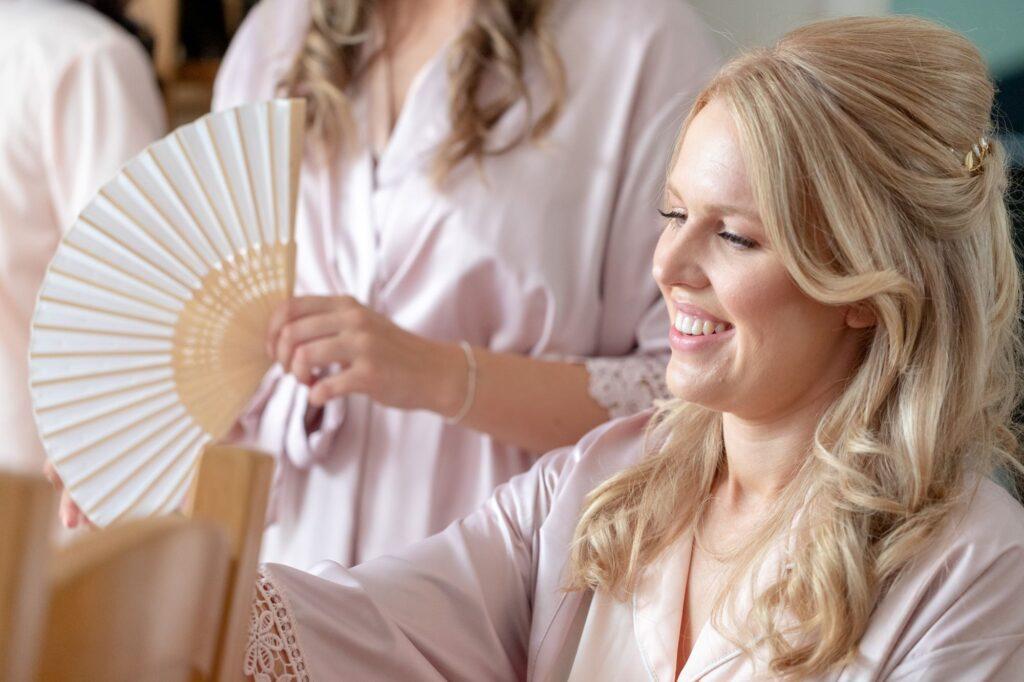 21 bridesmaids fan bridal prep the elvetham hartley wintney hampshire oxfordshire wedding photographer