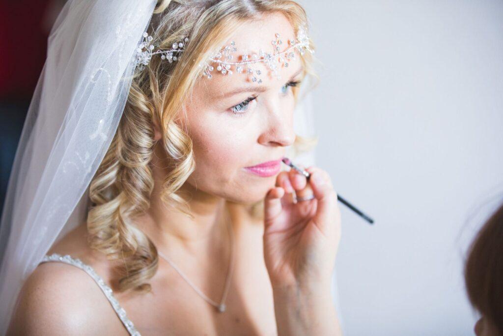 brides makeup bridal prep oxfordshire wedding photographer