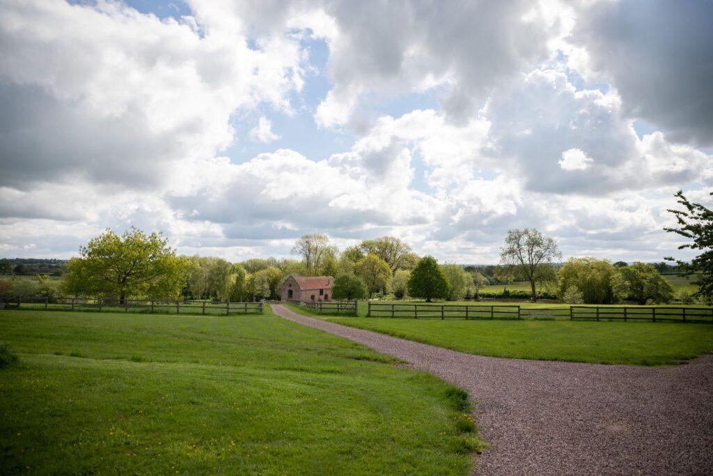 pauntley court gloucester grounds oxford wedding photographers
