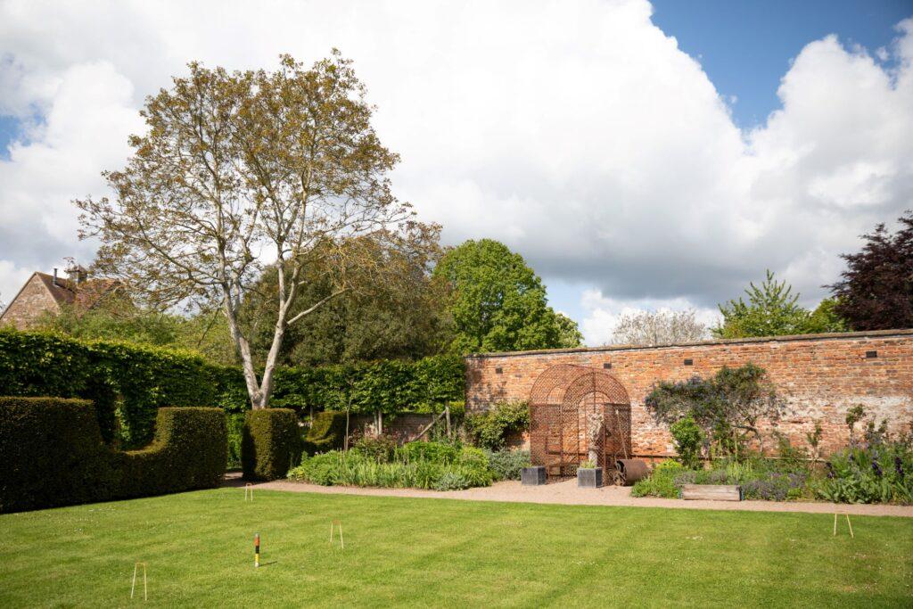 04 walled garden pauntley court gloucester oxfordshire wedding photographer