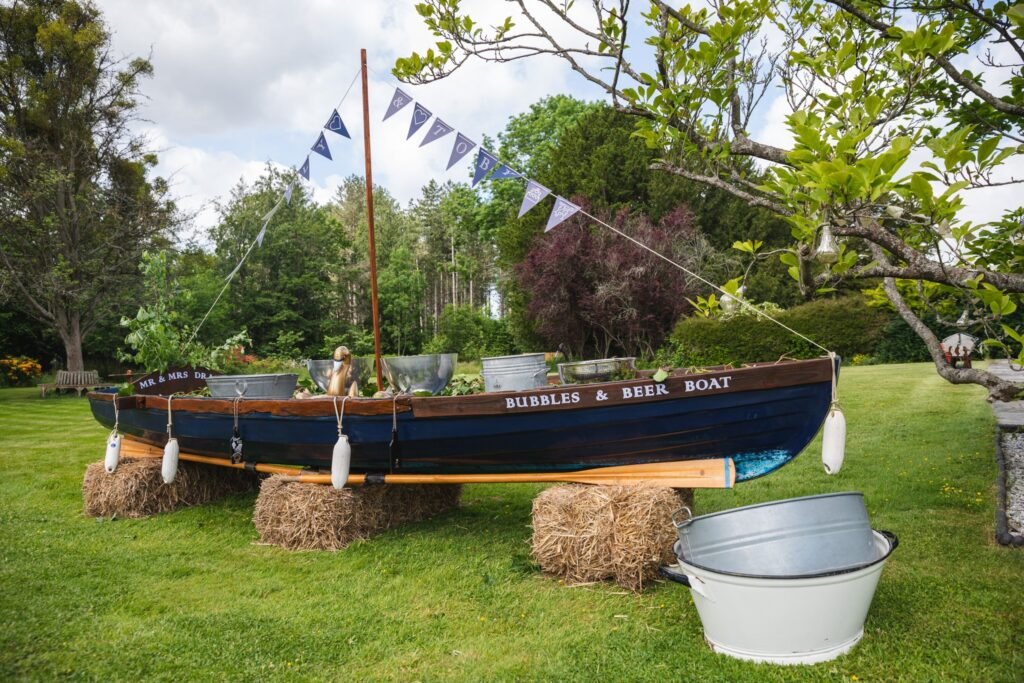 05 beer boat winkfield windsor private home wedding event berkshire oxfordshire wedding photographers