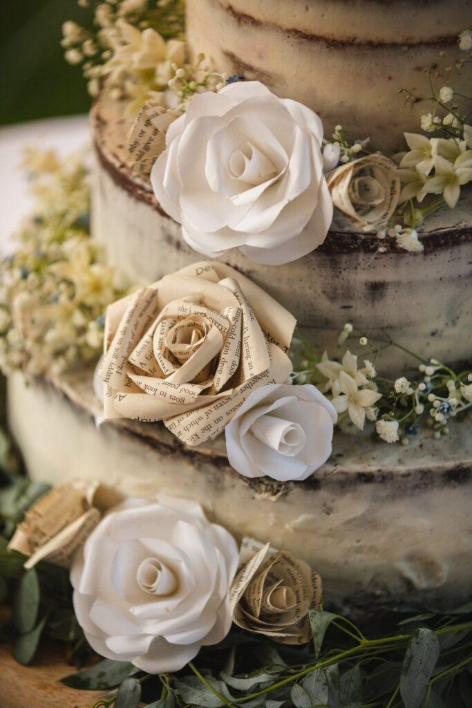 111 wedding cake decoration detail winkfield berkshire oxfordshire wedding photographer