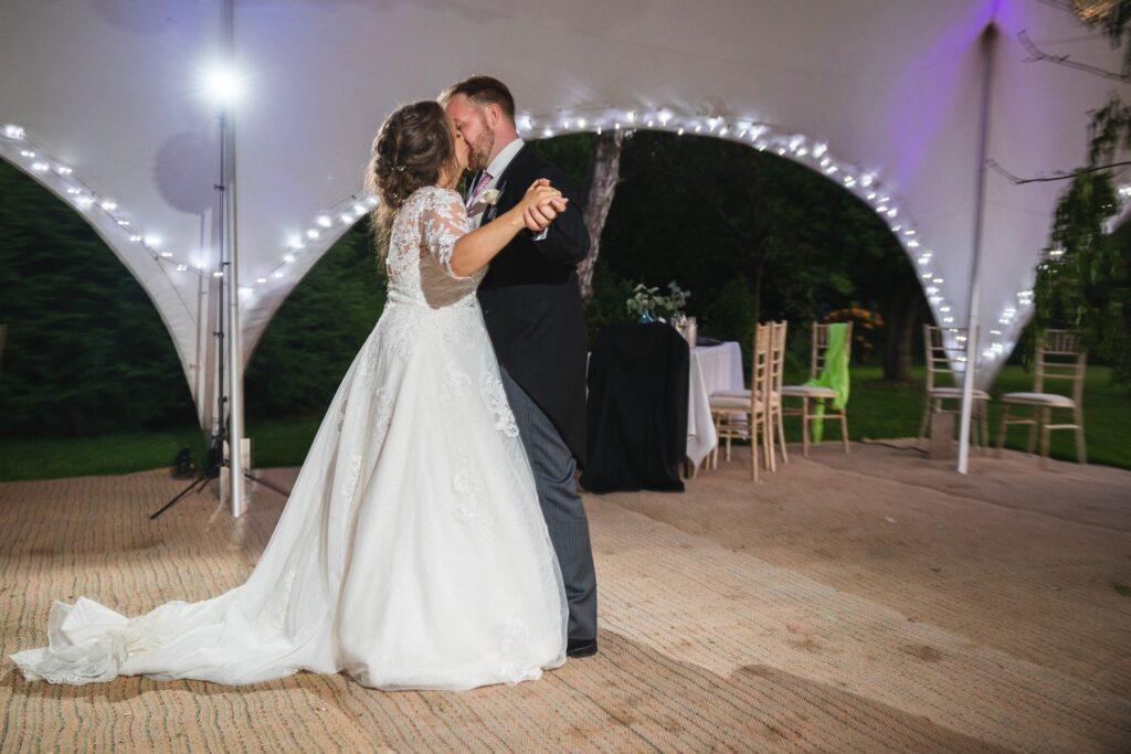 118 bride grooms first dance kiss winkfield berkshire oxfordshire wedding photographers
