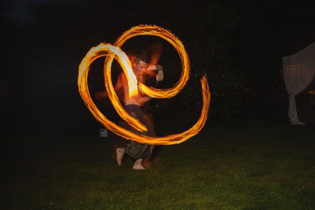 123 fire juggling entertainment wedding garden party winkfield berkshire oxfordshire wedding photographer