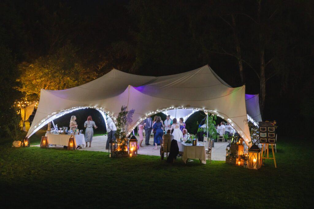127 wedding marquee spotlighting winkfield reception party berkshire oxford wedding photographers