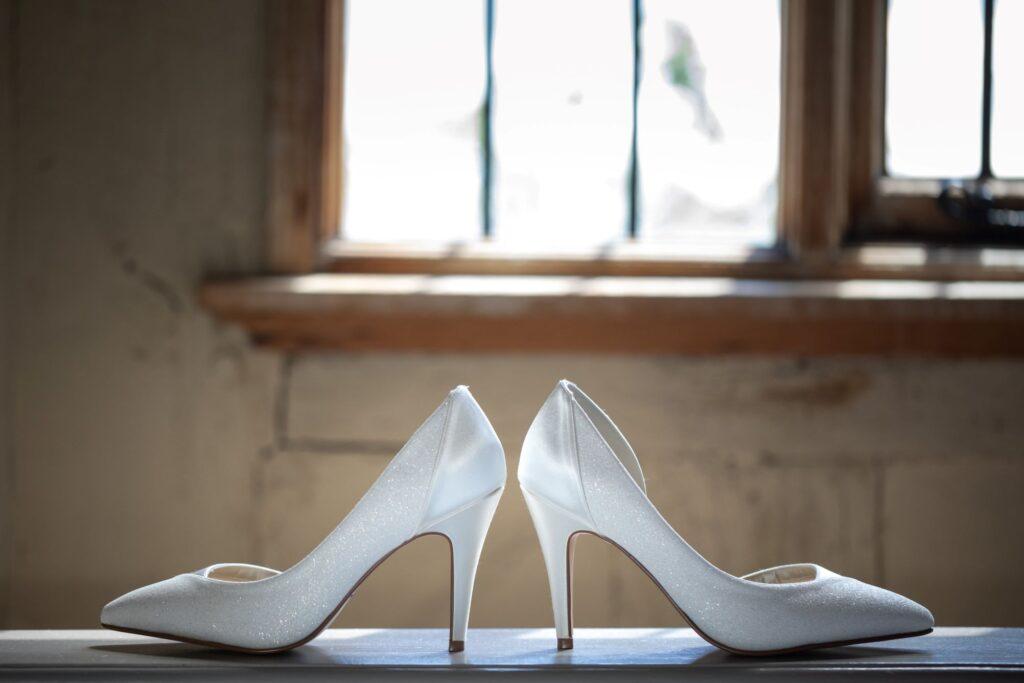 14 brides shoes bridal prep pauntley court gloucester oxford wedding photographers