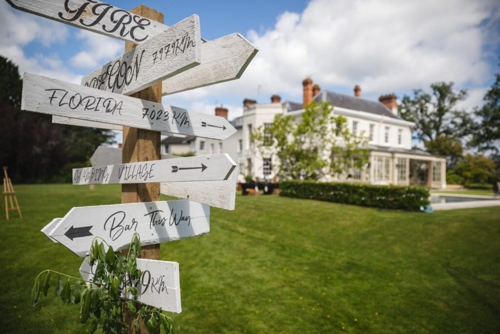 17 directional signage winkfield windsor private wedding event berkshire oxford wedding photographers