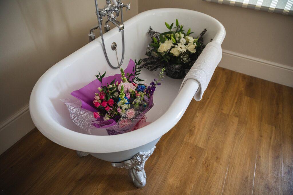 28 floral arrangements in bath bridal prep winkfield windsor berkshire oxfordshire wedding photography