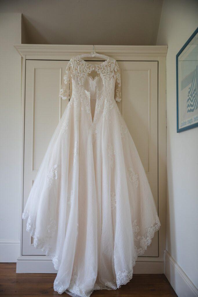 33 brides hanging wedding dress bridal prep winkfield berkshire oxfordshire wedding photographers