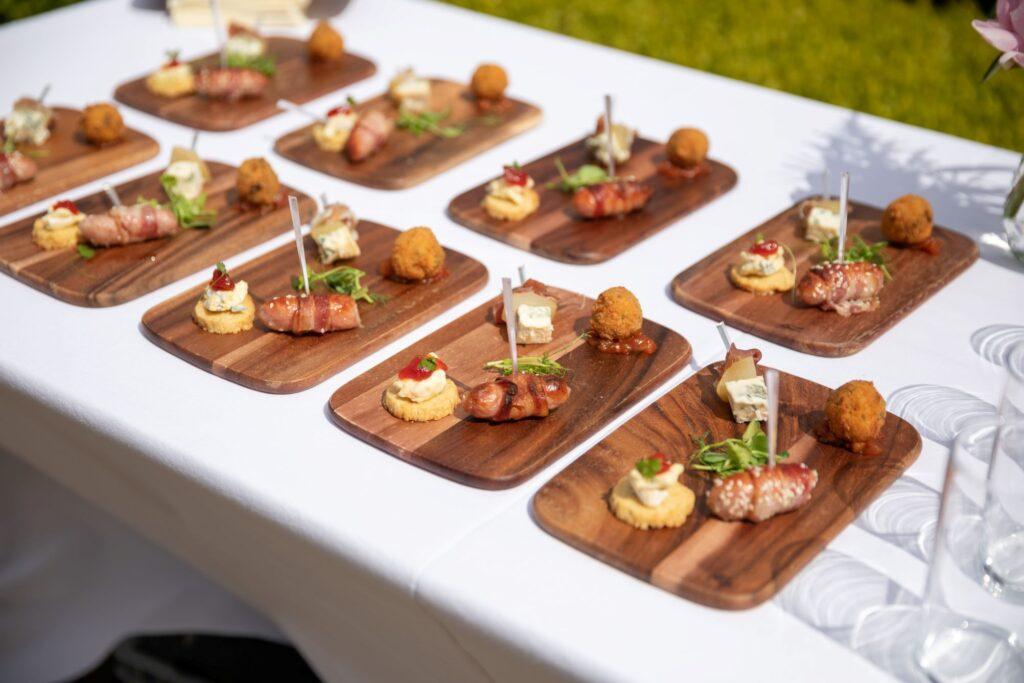 54 canapes garden reception pauntley court gloucester oxfordshire wedding photographers