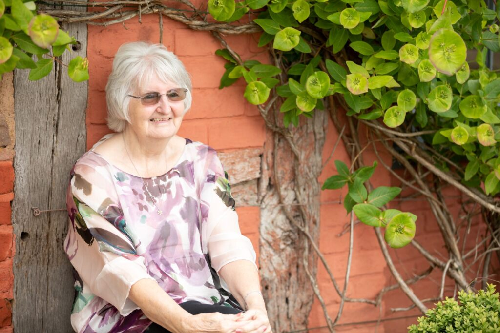 65 guest enjoys garden reception pauntley court gloucester oxfordshire wedding photographer