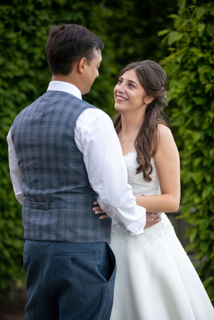 75 bride groom share romantic moment pauntley court gardens gloucestershire oxfordshire wedding photographer