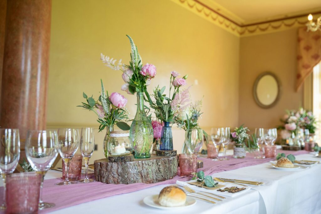 81 wedding breakfast table floral arrangements pauntley court gloucester oxford wedding photographers