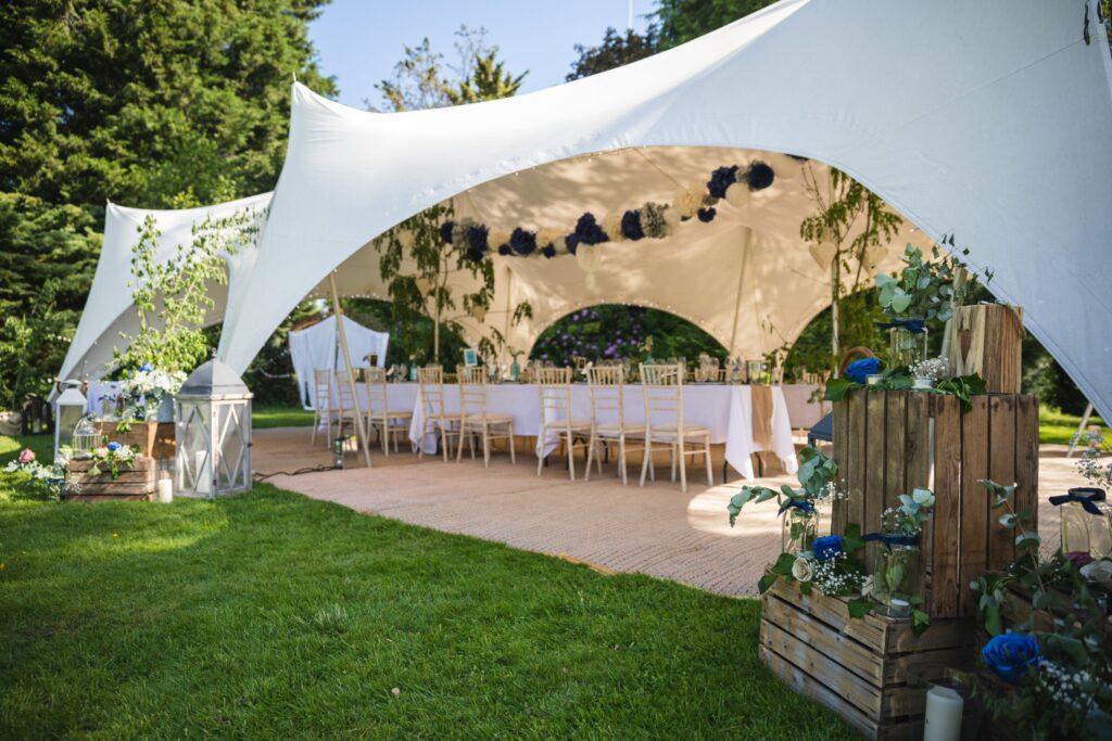 90 wedding breakfast marquee winkfield berkshire oxfordshire wedding photography