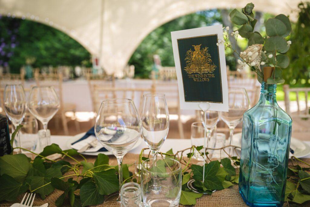 92 garden wedding breakfast table arrangement winkfield berkshire oxford wedding photographers