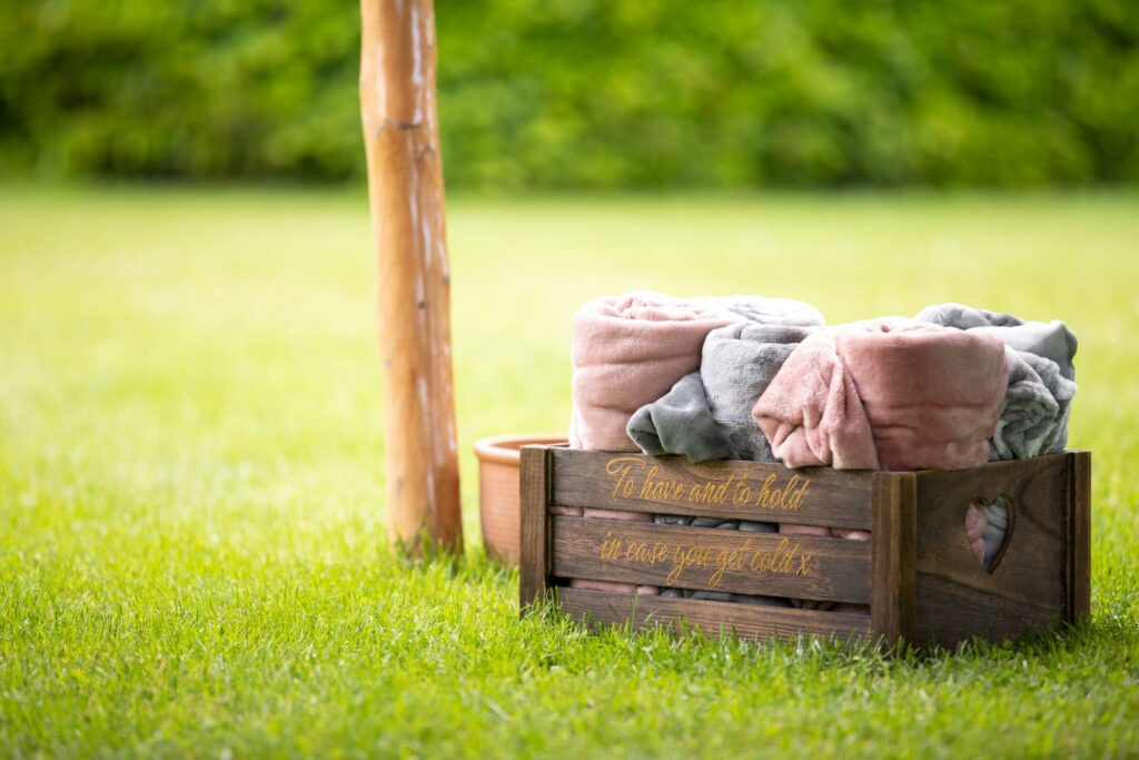 92 wedding guest blankets pauntley court gloucester oxford wedding photographer