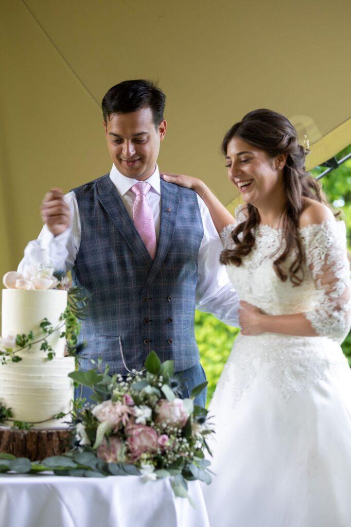 95 cake cutting ceremony pauntly court gloucester oxfordshire wedding photographer