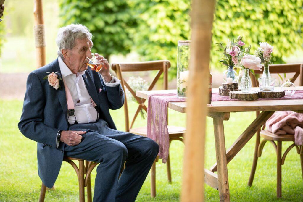 98 guest enjoys drink pauntley court cocktail reception gloucester oxford wedding photographers